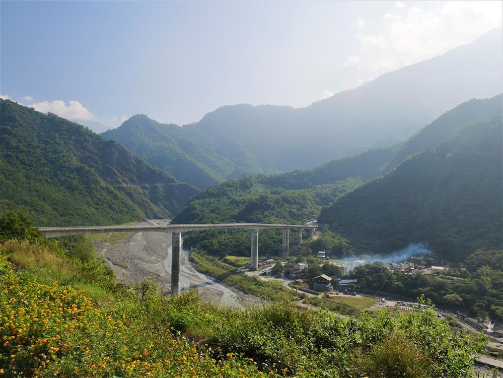 谷川大橋與谷川部落