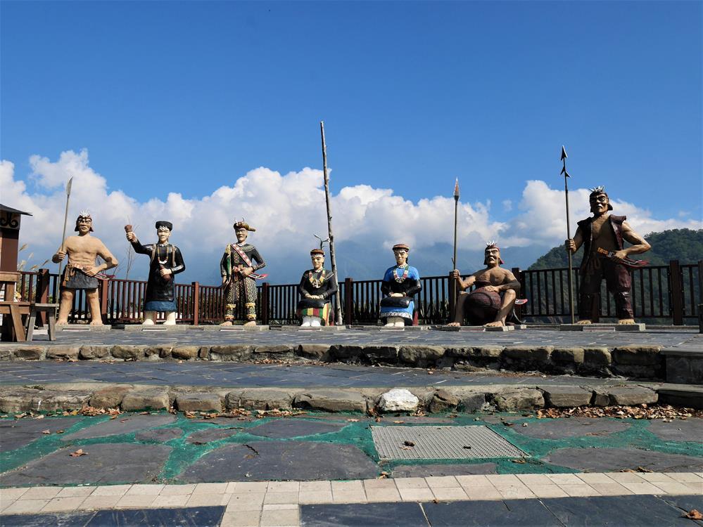 魯凱文化廣場上雕像藝術