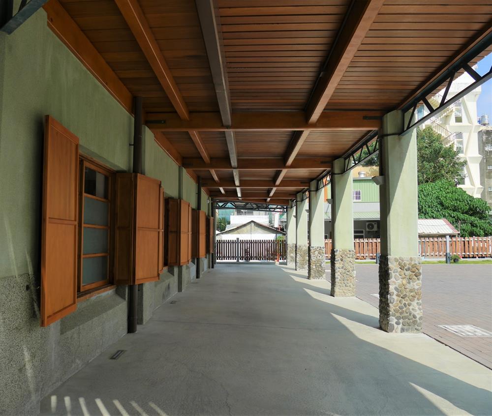 逍遙園一樓廊下