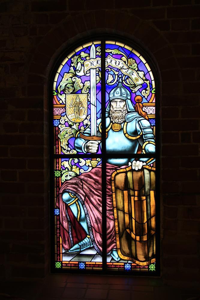 精美的彩繪玻璃窗