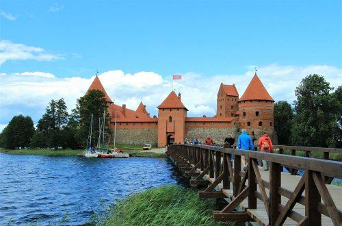 特拉凱城堡