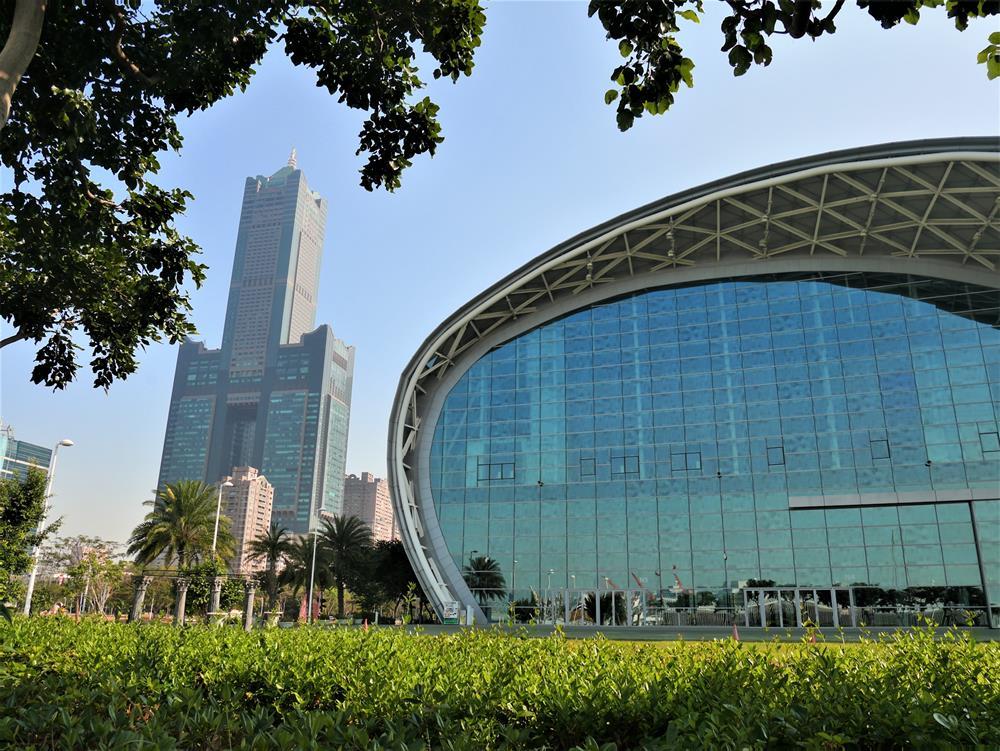 85大樓與高雄展覽館