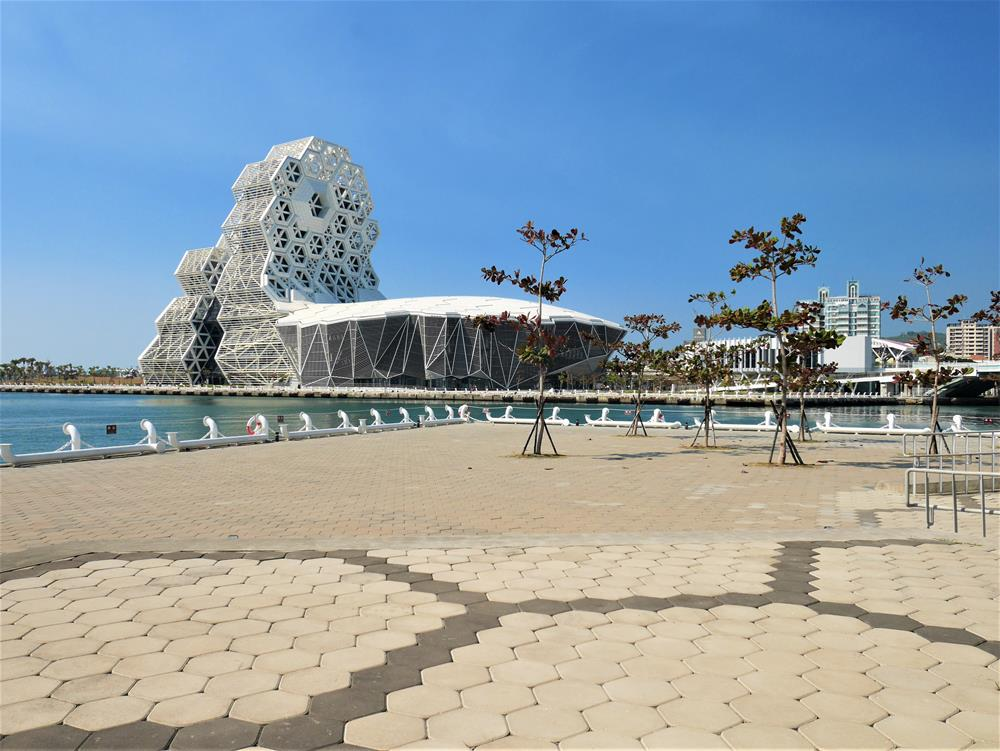 珊瑚礁群建築前景色