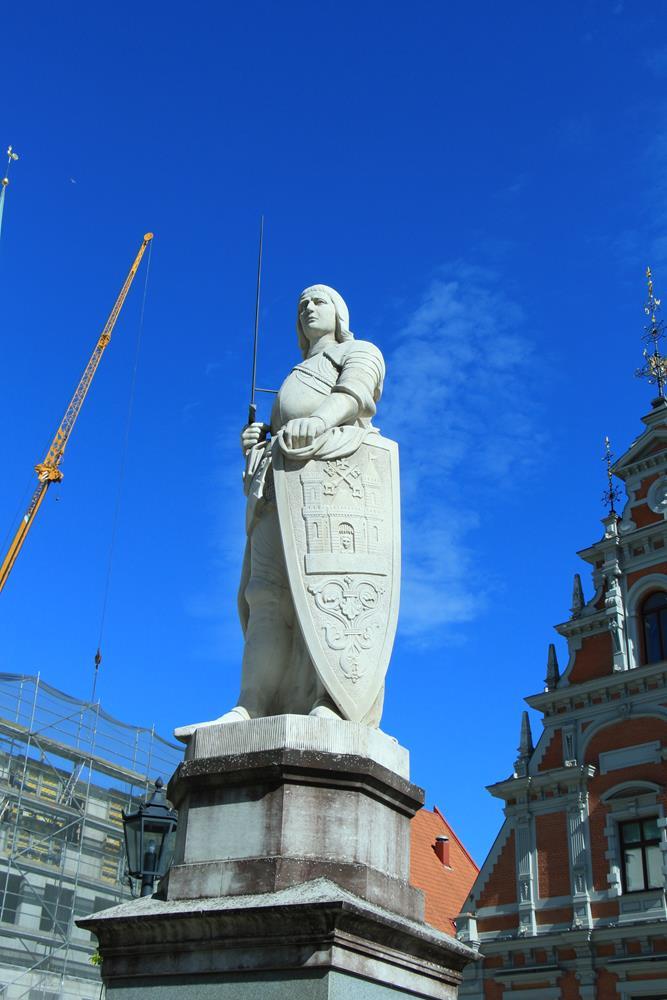 里加羅蘭雕像