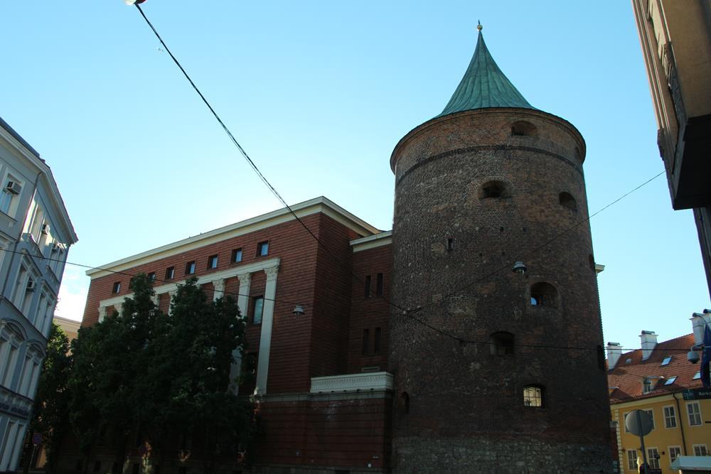 火藥塔暨戰爭博物館