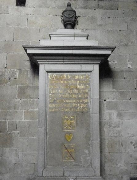 貝特朗·杜·蓋克蘭之墓