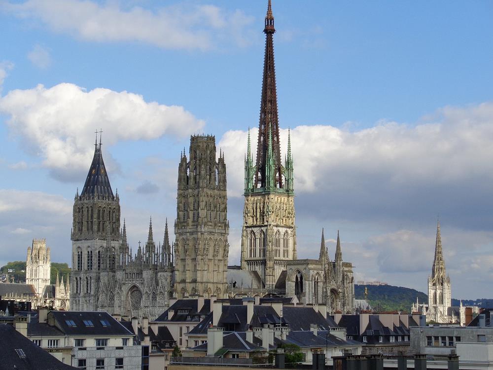 盧昂主教座堂燈籠塔