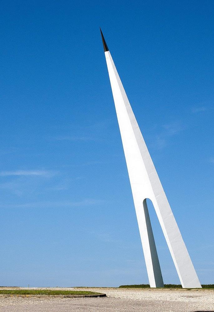 白鳥號紀念碑