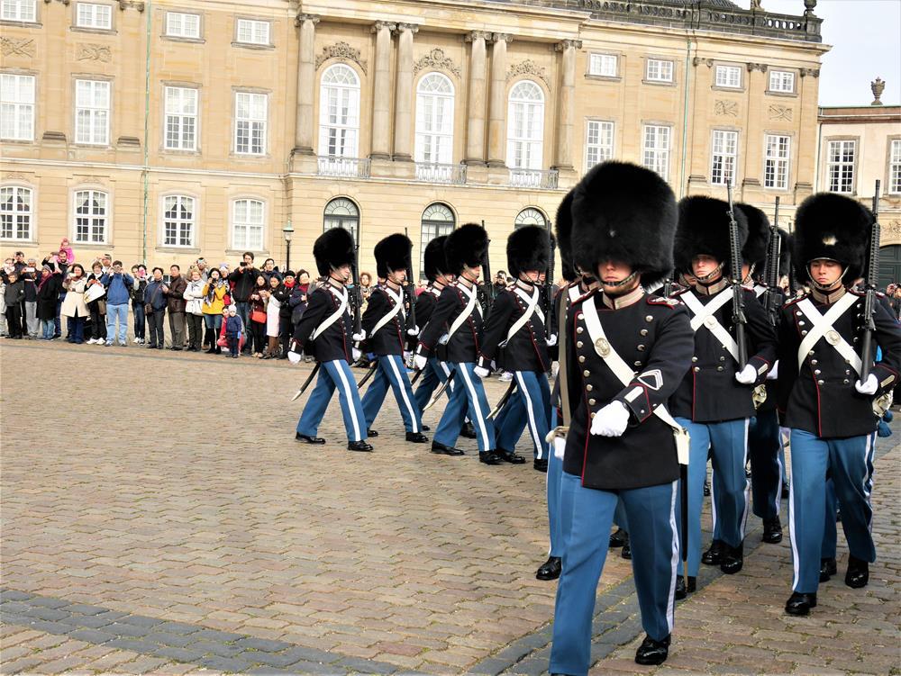 阿馬林堡宮衛兵交接