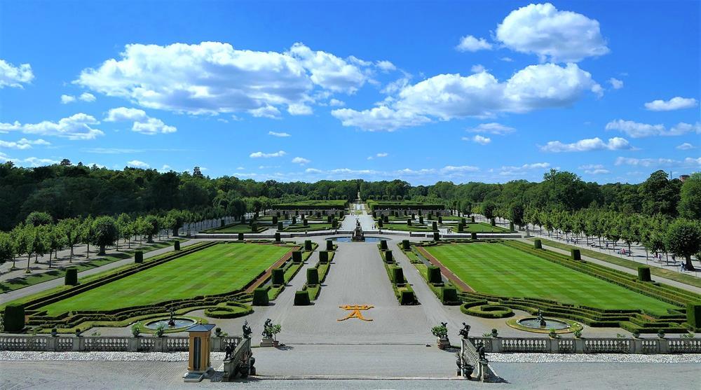 卓寧霍姆宮法式庭園